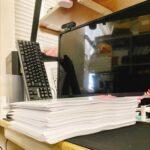卒論提出4/6人 詰みあがっていく感じが紙ならでは好きです
